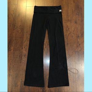 😍 Victoria's Secret Black Flare Yoga Pants 😍